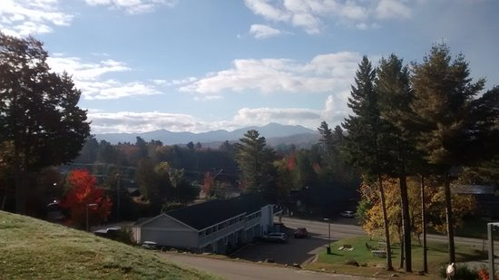 Quality Inn Lake Placid: View from front of hotel
