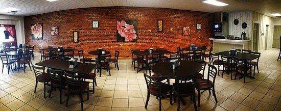 Kenansville, Caroline du Nord : Tokyo Sunrise dining room