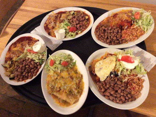 Los Lunas, NM: Wonderful selection of delicious New Mexican dishes