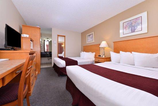Vernon, Kanada: Two Queen Beds