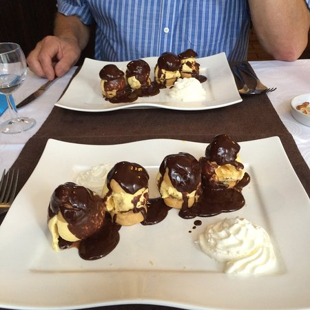 Saint-Loup-Lamairé, France : Dessert to die for - profiteroles filled with delicious ice-cream