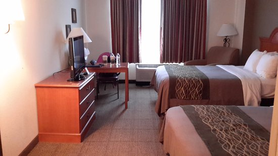 Comfort Inn Alexandria West - Landmark: A view from room