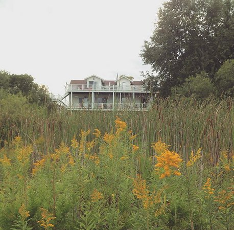 Blacksmith Inn On the Shore: Looking back at Zahn house form the dock