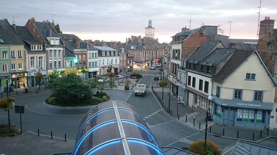 Αμπεβίλ, Γαλλία: Nice view of quaint city of Abbeville from the balcony...