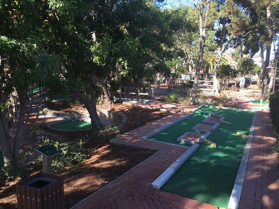 Golf Gardens Miniature Golf: photo1.jpg