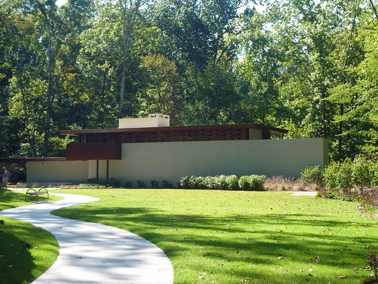 Bentonville, AR: Frank Lloyd Wright home moved to site and open for tours