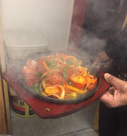 New Balti House Ltd: Top quality sizzle pot, that's is still sizzling when served! perfect!