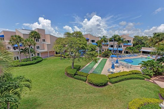 Sand Cay Condominiums Beach Resort