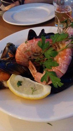 Local seafood platter picture of bognor bar restaurant for Local fish restaurants