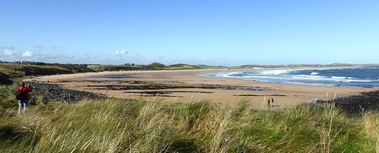 Embleton, UK: Beautiful sea and lanscape.