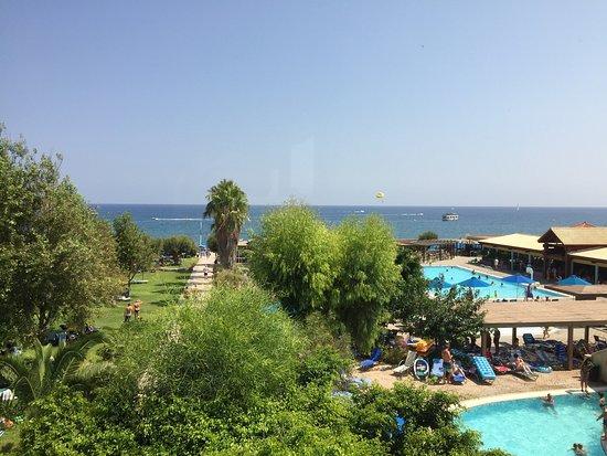 Esperides Beach Family Resort: photo1.jpg