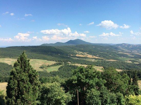 Castiglioncello del Trinoro, Italien: View from room