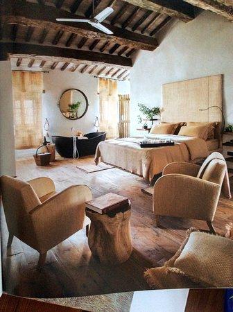 Castiglioncello del Trinoro, Italien: Our room -Suite Sant'Andrea #9