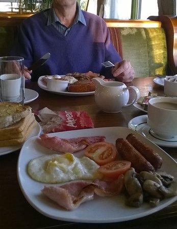 Island View Hotel: Breakfast