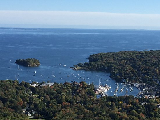 Blue Harbor House Inn: View of Camden from Top of Mt Battie