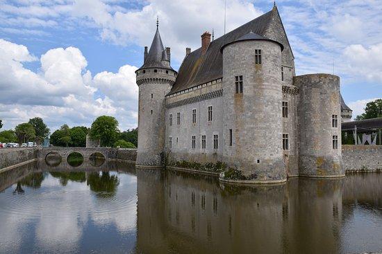 Castillo sully sur loire picture of chateau de sully for Clair logis sully sur loire