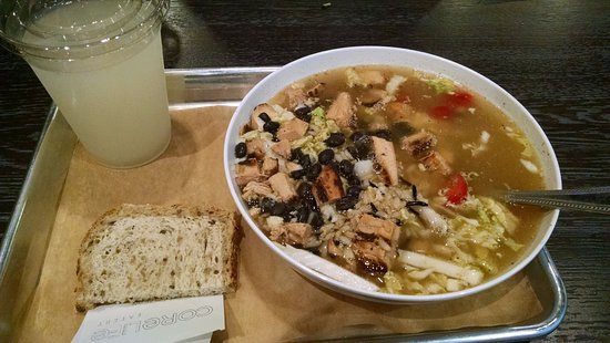 Greece, État de New York : Chicken Tortilla Broth Bowl with substitutions. Lemonade.