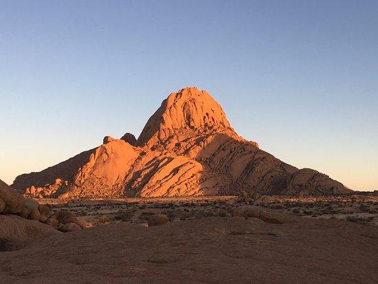 Usakos, Namibia: Spitzkoppe bei Sonnenaufgang