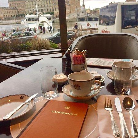 The cadier bar stockholm norrmalm restaurant for Food bar grand hotel stockholm