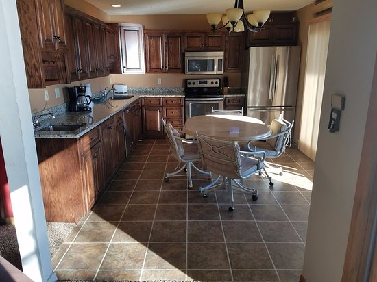 Breezy Point, MN: Executive Beach House #461