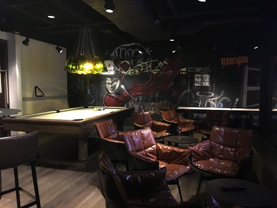bar walk in lounge area and game room picture of kimpton hotel