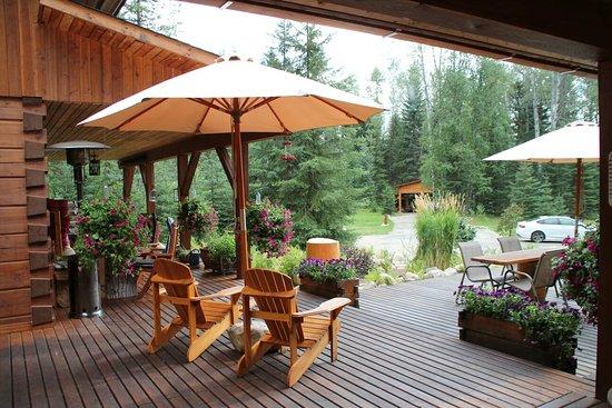 Moul Creek Lodge B & B