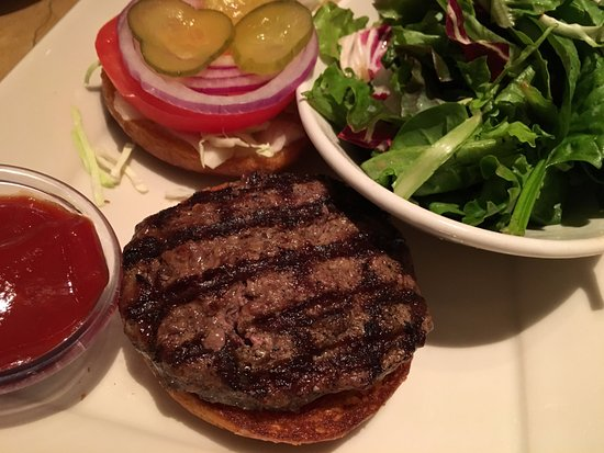 The Cheesecake Factory: Hamburger with a side salad