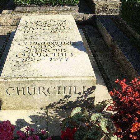 Bladon, UK: Winston's grave.
