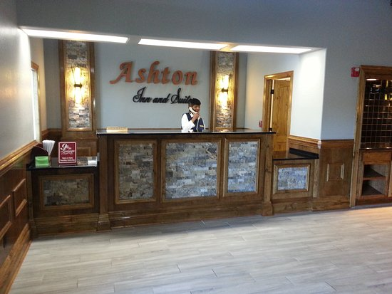 Ashton Inn & Suites- Navy: Front Lobby