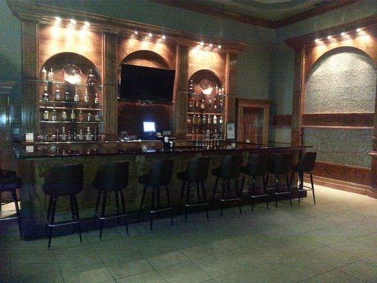 Ashton Inn & Suites- Navy: The 9Ten Coctail Lounge at the Ashton Inn. Open with Happy Hour