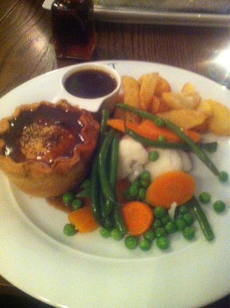 Aldwark, UK: Delicious steak pie