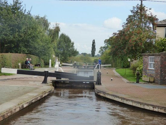 Whitchurch, UK: Grindley Staircase, job done and leaving towards Ellesmere