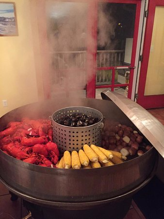 Bar harbor lobster bakes american restaurant 10 state for Food bar harbor