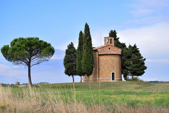 San Quirico d'Orcia, Italia: dal retro