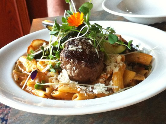 Naramata, Καναδάς: bison meatballs