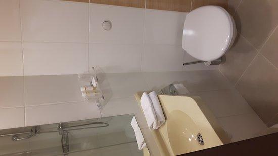 Hotel Eurocentre : 20161012_190509_large.jpg