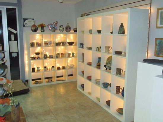 Front Royal, VA: Artistic Visions Gallery at The Kiln Doctors.