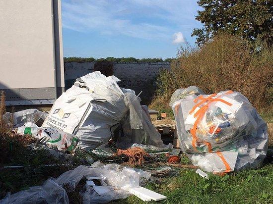 Haasrode, Belgium: trash everywhere