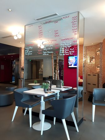 Mercure Paris Vaugirard Porte de Versailles Hotel: Bar de l'Hôtel