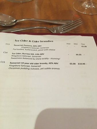 West Coker, UK: Great 2 course meal with a cheese plate and ice cider! Large selection of local ciders too.