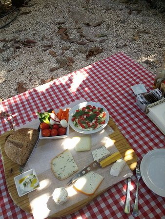 Ra'anana, Israel: Our delicious spread