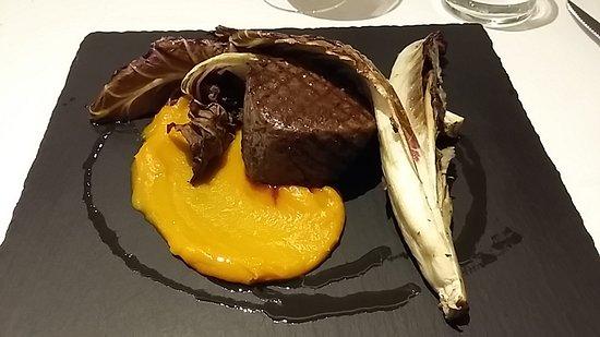 Castello D'Argile, Italia: Filetto con salsa di zucca e trevigiana alla griglia