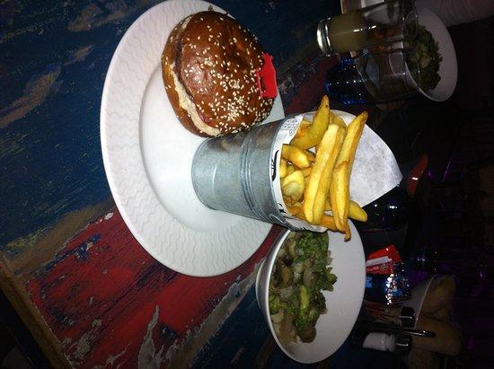 Monteux, Fransa: Burger