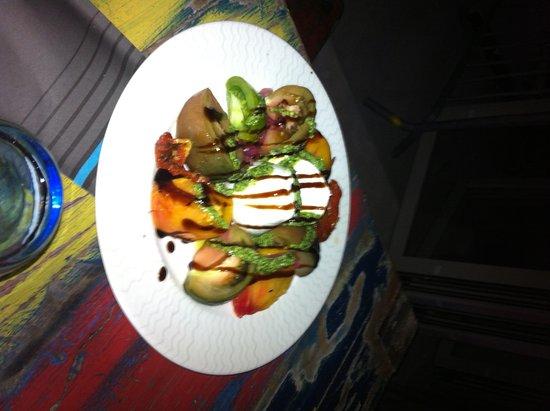 Monteux, ฝรั่งเศส: Salade tomates - mozzarella