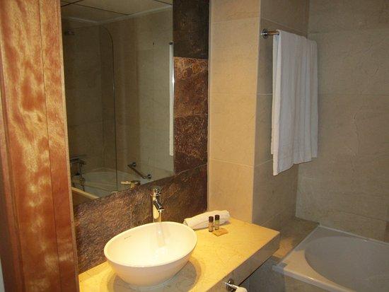 secondo bagno - Picture of El Plantio Golf Resort, Alicante ...