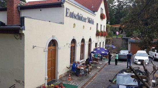 Bannewitz, Deutschland: Eingangsseite / Parkplatz
