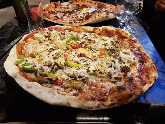 "Pontoise, Francia: pizza ""barbucue"""