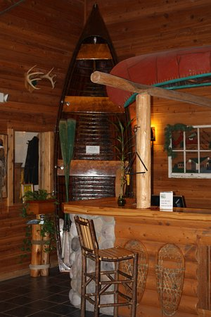 The Lodge at Crooked Lake: Lobby Area