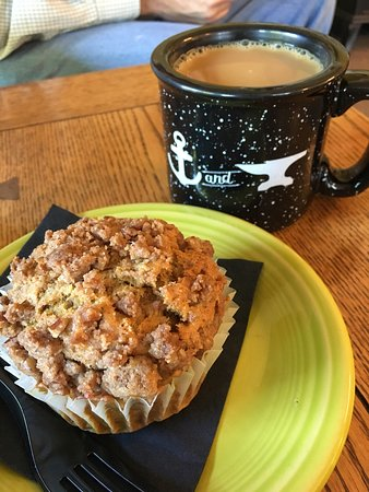 Bellevue, PA: Pumpkin pecan crunch muffin