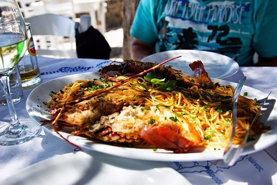 Moutsouna, Hellas: spaghetti with lobster